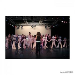Schoolvoorstelling Dansstudio Dentro in theater de Schakel 2007